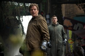 Bryan Cranston and Aaron Johnson in Godzilla 2014