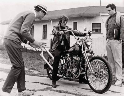 Corman directing Peter Fonda in The Wild Angels (1966)