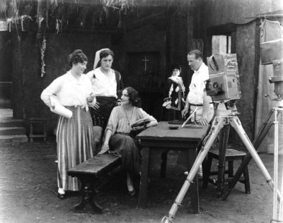 Lois Weber directing a scene from The Dumb Girl of Portici (1916).