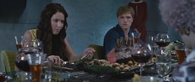katniss-and-peeta-katniss-everdeen-32276271-500-281