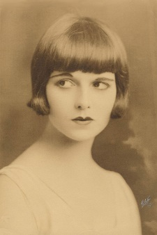 Louise Brooks_Denishawn1923 credit Louise Brooks Society